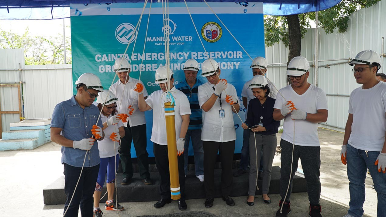 Manila Water President and CEO Ferdinand Dela Cruz (sixth from left) leads the groundbreaking ceremony to mark the start of the Cainta emergency reservoir construction. With him are (from left) Rizal Board Member Ross Glenn Gongora; Cainta Elementary School Master Teacher, Mercy Riosa; Rizal Assistant Provincial Engineer Bonifacio Masilang Jr.; Office of Civil Defense's Curriculum Development Division Chief, Manuel Nivera; Francisco P. Felix Memorial National High School Principal, Dr. Vidal Mendoza; Manila Water contractor, Mike Sicat of ME Sicat, Corporate Project Management Group OIC Director, Maidy Lynne Quinto; Cainta Mayor Johnielle Keith Nieto; and Cainta Councilor Lincoln Felix.